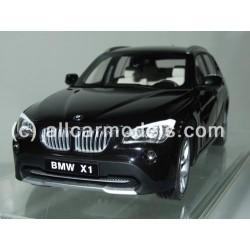 1:18 BMW X1 XDrive 28i...