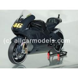 1:12 Ducati Desmosedici GP...