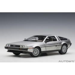 1:18 DeLorean DMC-12