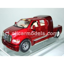 1:24 Ford 2001 F-650...