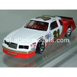 1:24 Thunderbird Club Car...