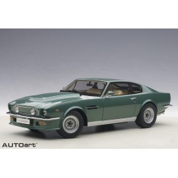 1:18 Aston Martin V8...