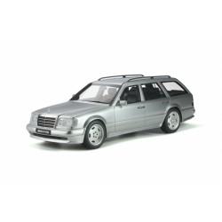 1:18 Mercedes-Benz S124 E36...