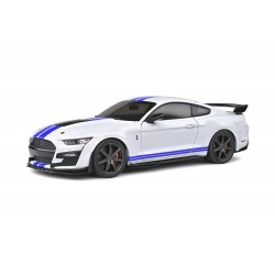 1/18  Ford GT500 Fast Track...